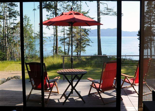 Enjoy fantastic views overlooking the water and neighboring islands. - Nami-an on Orcas Island at Doe Bay - Olga - rentals