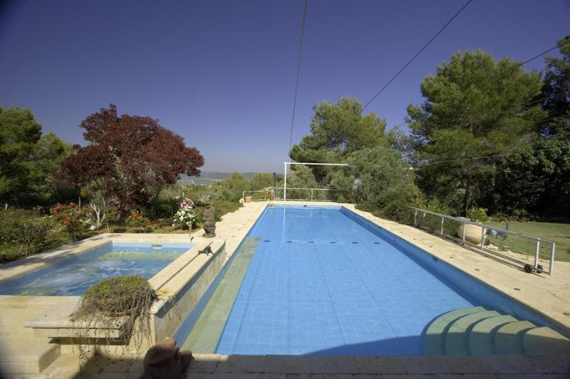 Private 17X6 meters swimming pool and 3X2 meters Jacuzzi - Privacy in large Villa with a huge pool! Specials! - Zichron Yaakov - rentals