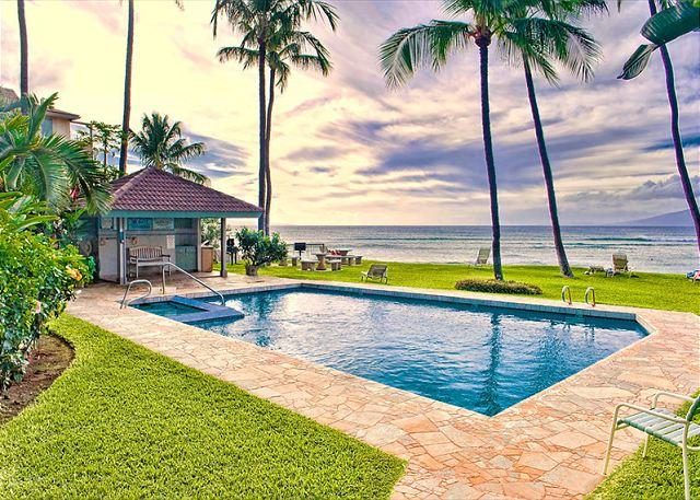 Hale Mahina Vaulted Ceilings Oceanfront - Image 1 - Lahaina - rentals