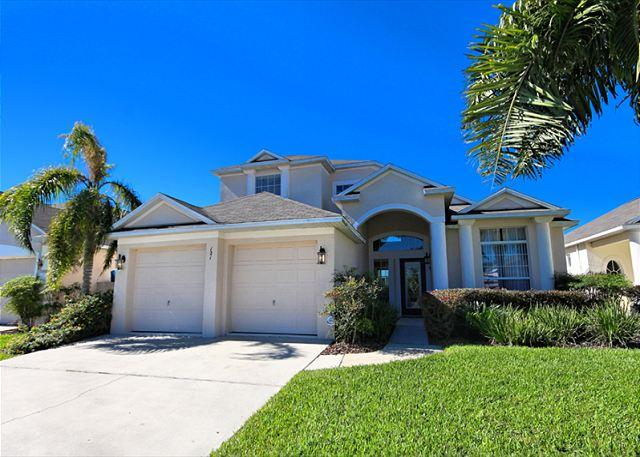 Front View - CITRUS RIDGE: 5 Bedroom Home with Pool Area Overlooking Palm and Orange Trees - Davenport - rentals