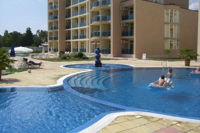 2 pools 1 kids and 1 25 meter - Apartment Central Sunny Beach sleeps 6 - Sunny Beach - rentals