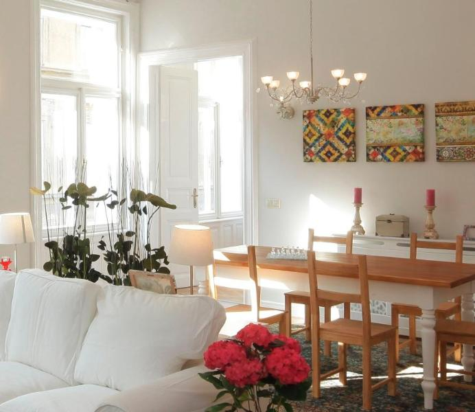Victoria Rooms 3 Bed & 3 Bathrooms Central Exclusive - Image 1 - Budapest - rentals