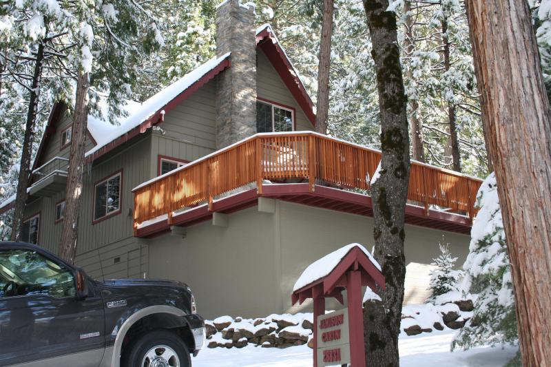 Winter at our cabin! - Peaceful Mountain Getaway Near Pinecrest Lake - Pinecrest - rentals