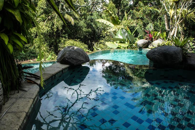 upper wading pool cascades to the lower pool - Villa Madu - Heaven 5 min Walk to Ubud - Ubud - rentals