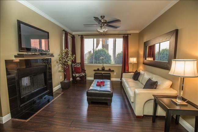Spacious Living room with flat screen TV - Kierland. Multi units open before 1/7 - after 1/31 - Scottsdale - rentals