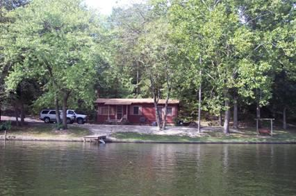 Come and enjoy lakefront cabin for romantic getaway or families, friends to getaway from it all! - AR. Hot Springs Smith's Lakefront Cabin Getaway - Hot Springs - rentals