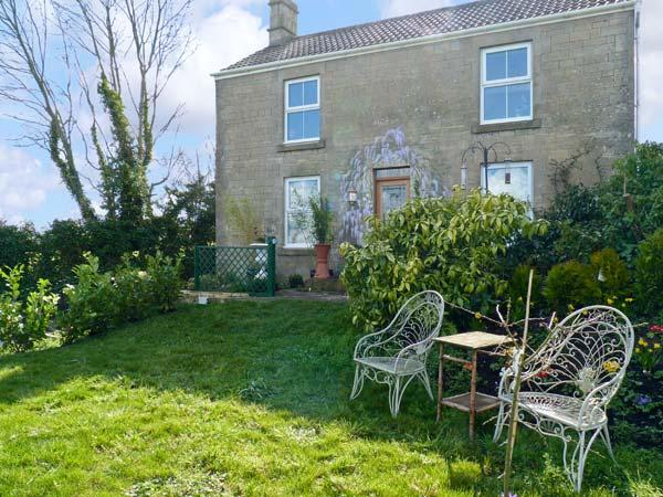 HILLSIDE COTTAGE, romantic cottage with WiFi and a garden, in Peasedown Saint John, Ref 14158 - Image 1 - Peasedown Saint John - rentals