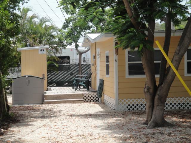 Front entrance - Quaint KeyLargoCottage, 1 bedroom,sleeps 4 comfy - Key Largo - rentals