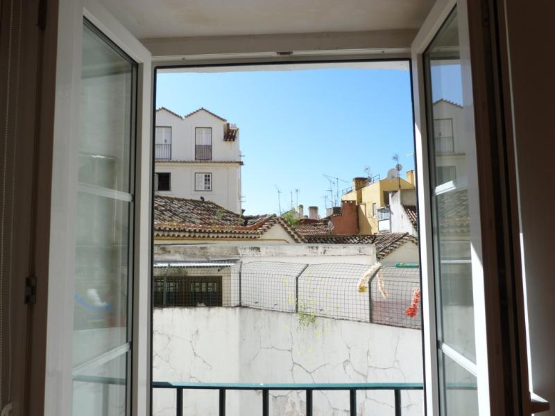 French balcony with glimpse of Alfama roofs - Alfama III, open-space studio with French balcony - Lisbon - rentals