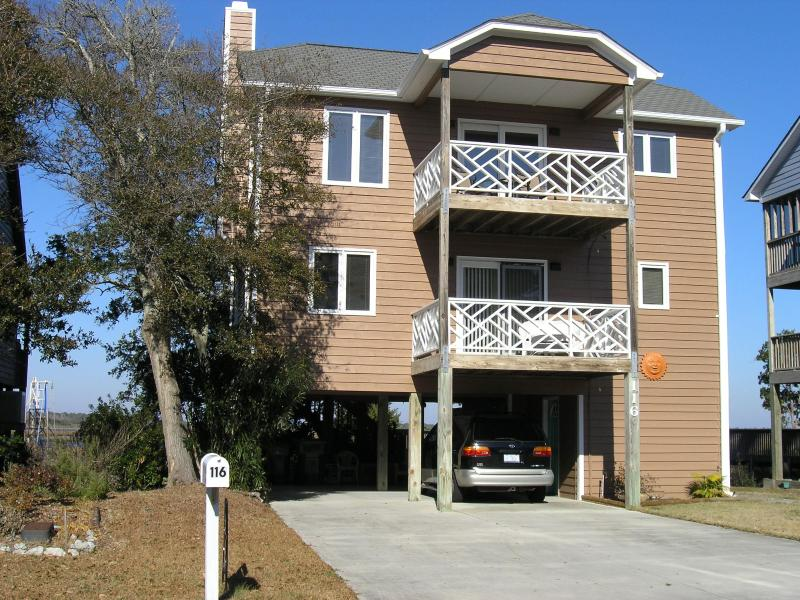Covered Parking for two cars - Stroll to the beautiful beach and bring your boat - Surf City - rentals