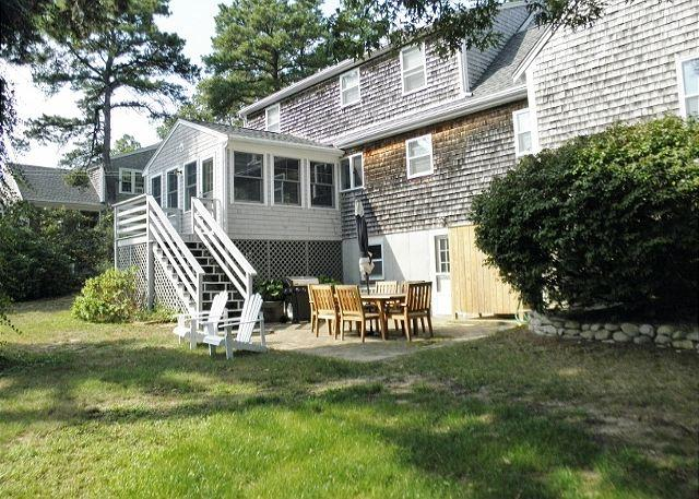 WONDERFUL CAPE STYLE BREWSTER HOME WITH 3 BEDROOMS AND 2.5 BATHS - Image 1 - Brewster - rentals