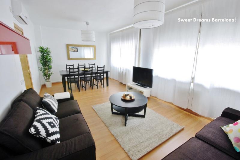 Barcelona Center 8 People Apartment - Image 1 - Barcelona - rentals