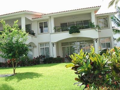 Exterior view - 3br Villa One Block from the Beach, on the Marina - Nuevo Vallarta - rentals