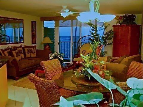 Living/Dining Area - Beachfront  Tropical Home Away from Home Free Wifi - Punaluu - rentals