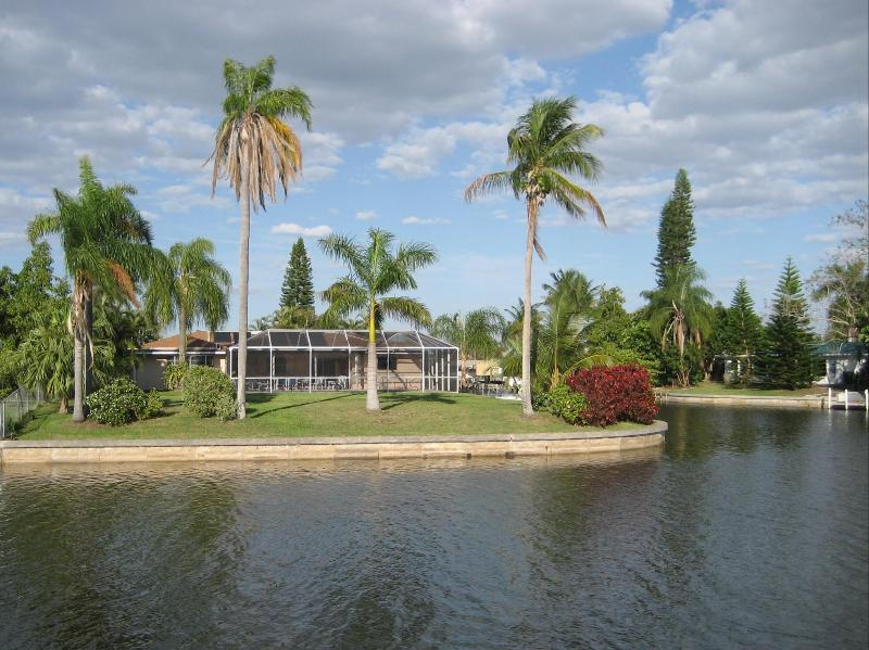 Garden view - Villa Pinecrest - Your home away from home - Cape Coral - rentals