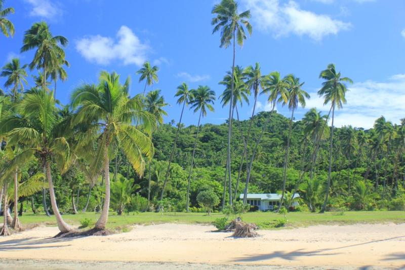 One min walk to beach over trimmed green lawns - SigaSiga Sands Plantation Villa - Savusavu - rentals