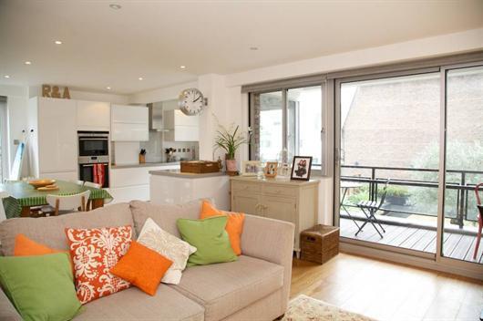 Fantastically located 2 bedroom short term let - Image 1 - London - rentals
