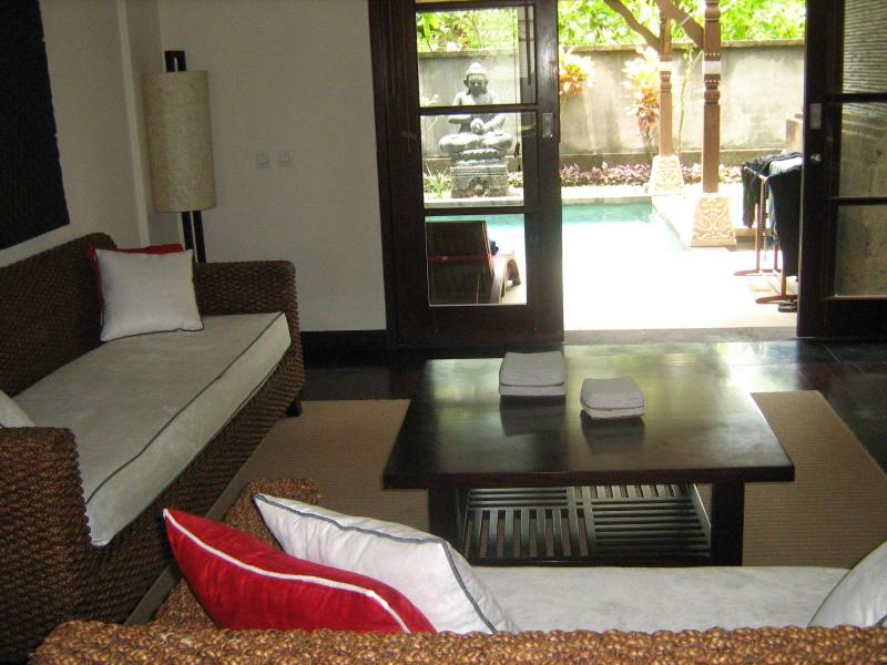 Living/vue private garden/pool - Appartement Villa De Luxe Dans Residence 5* - Nusa Dua - rentals
