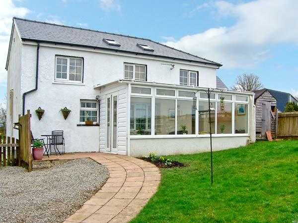 COTTAGE 1, Single-storey, pet friendly cottage with a garden in Carmarthen, Ref 14831 - Image 1 - Carmarthen - rentals