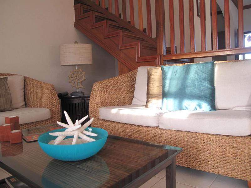 Bright Tropical decor - Dover beach quiet home. 3 Bed 3 Bath. - Dover - rentals