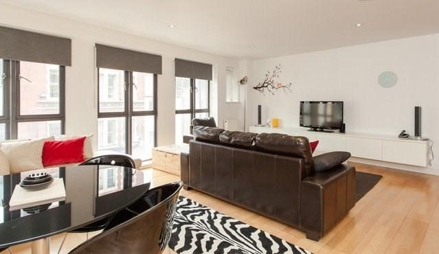 Open Spacious & Comfortable Living Area - Brilliant Location, Modern & Secure - London - rentals