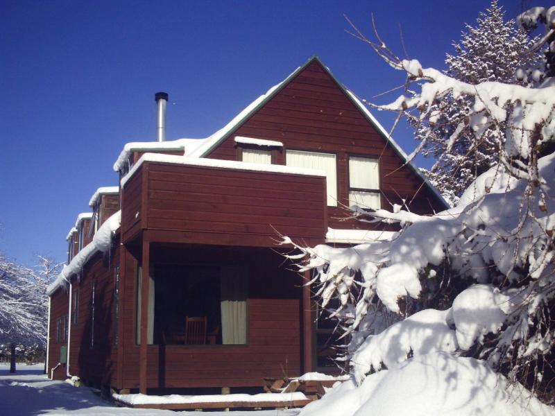 SNOMAD Chalet Exterior - SNOMAD Adventures chalet NZ - Ohakune - rentals