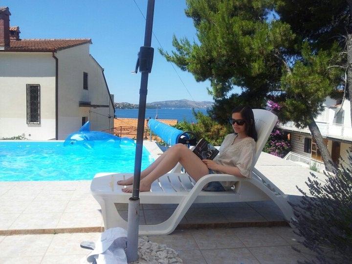 reding book in shadow near pool - Apartments Villa Goja - Trogir - rentals