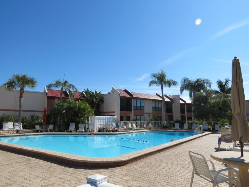 Runawaybay Condo 2BR/2BA,Heated Pool,Tennis court - Image 1 - Bradenton Beach - rentals