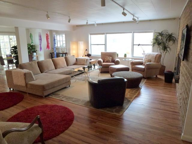 Living Room - Entertains 6-8 w/ HDTV & DVD - The Green House - 3BR/2BA Retro Style - Easy Walk - Santa Fe - rentals