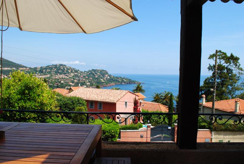 Villa Saint Raph holiday vacation villa rental france, cote d\'azur, riviera - Image 1 - Saint Raphaël - rentals