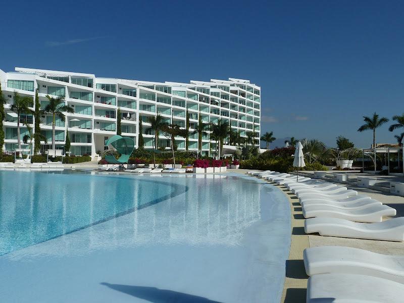 Beautiful 2 Bedroom Beach Condo - Image 1 - Nuevo Vallarta - rentals