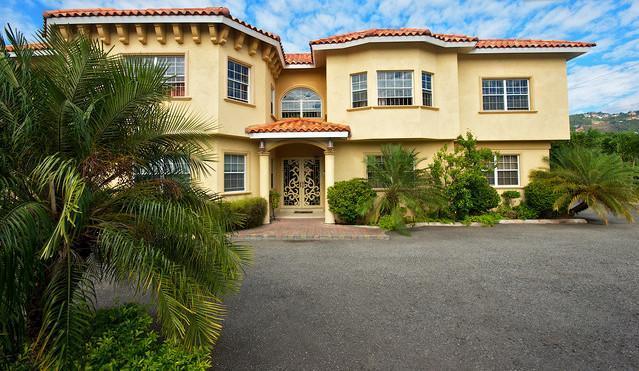 Exterior front view - 1 Bedroom Apts in, Kingston Jamaica 1-876-896-3917 - Kingston - rentals