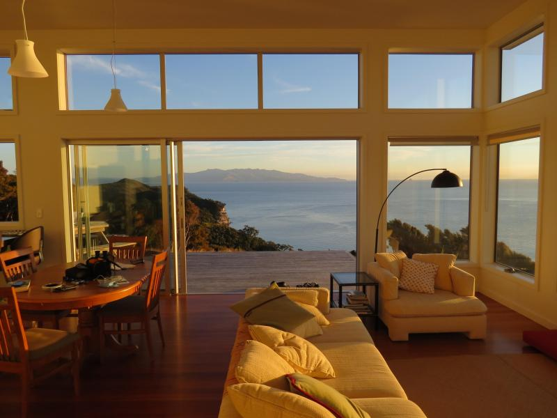 Lounging at the X-spot - deluxe 1-bed eco apartment Tryphena, wide seaviews - Great Barrier Island - rentals