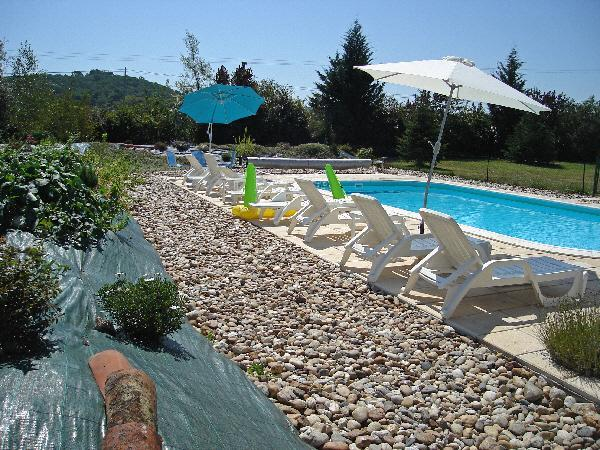 The swimming pool and large terrace - Nonnie, Lot et Garonne, France 2 bedroom gite - Montpezat d'Agenais - rentals