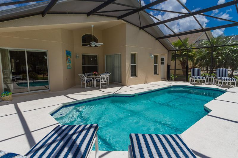 Gorgeous Pool and Covered Lanai - Luxury Villa with South Facing Pool on Golf Course - Orlando - rentals