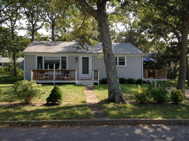 Front - Comfy 3 Bd Vineyard Home - 1/2 Mile To Beach - Vineyard Haven - rentals