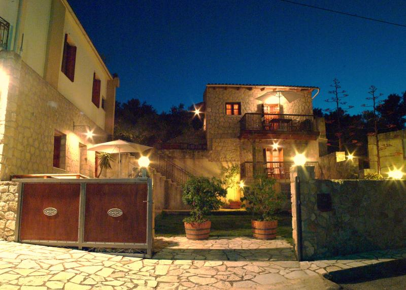 Night view: Voucamvilia and Kamelia at the back - Olive Villas - Chania - rentals