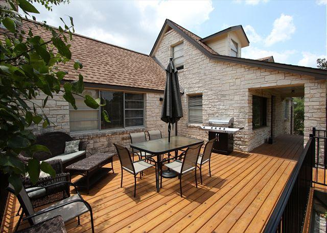 Perfect Patio - Rock Cottage on 2 acres Overlooking Lake Travis- Great Outdoor Space! - Spicewood - rentals