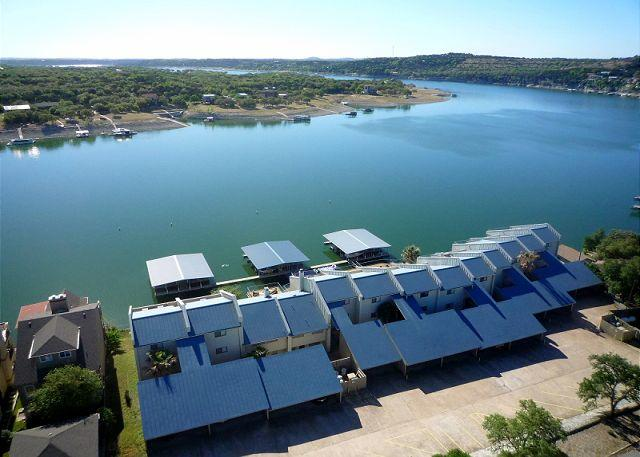 Condo right by the Briarcliff Marina with Ubalieveable View of the Lake - Image 1 - Spicewood - rentals