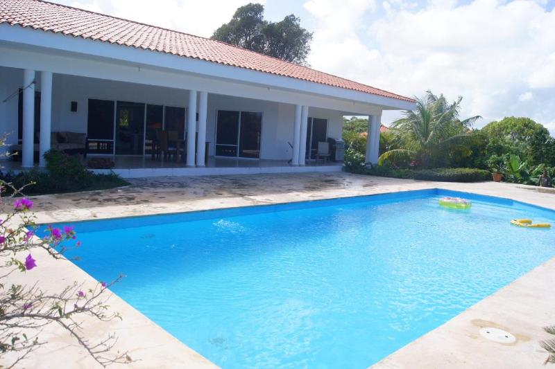 5 bedroom villa with lot of space for large groups - Image 1 - Sosua - rentals