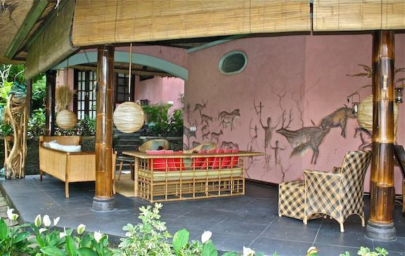 Living Area/ Gallery - An Artist Retreat in Ubud, Bali: Rumah Tamu - Ubud - rentals