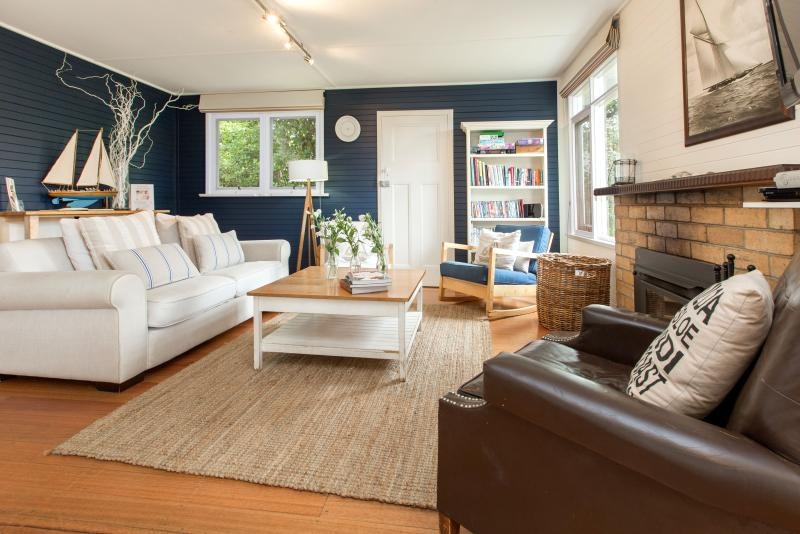 Beautifully Decorated Interior - St Ives Cottage - Classic Beachside Accommodation - Rye - rentals