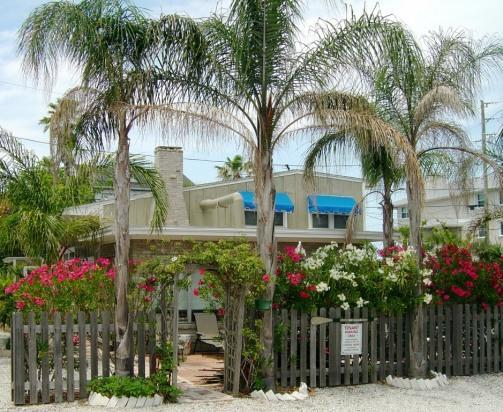 Mi Casa Vacation Retreat - Image 1 - Indian Rocks Beach - rentals