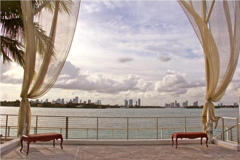 Relax by the Pool while facing the magnificent Bay! - 1BR Suite@The Mondrian Hotel @ SouthBeach - Miami Beach - rentals