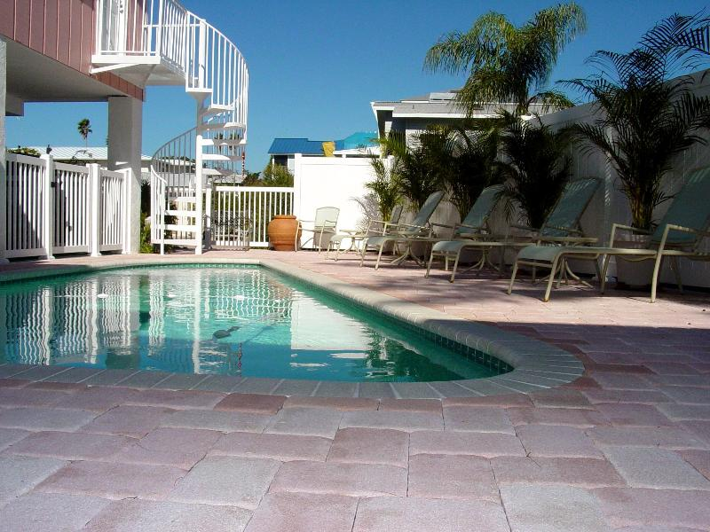 Pool Private Single Family Residence - Ocean View 3 bedroom, pool, North Shore Drive - Anna Maria - rentals