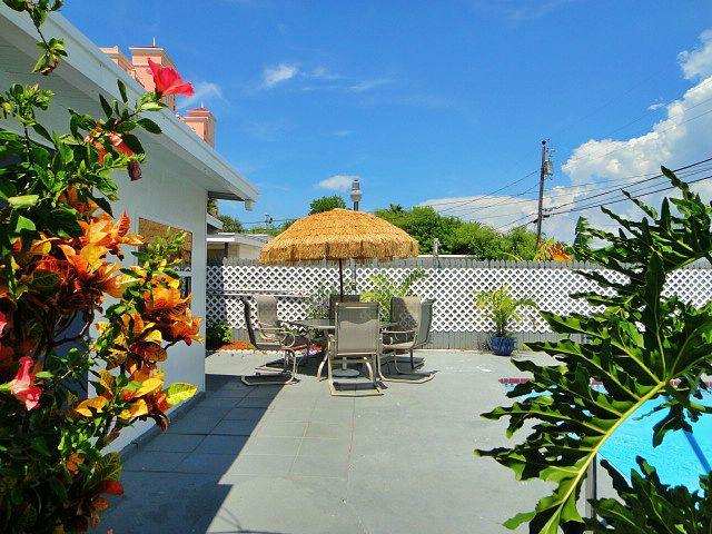 Seawinds Beach Retreat - 5 Bdrs - Private Pool - Image 1 - Clearwater - rentals