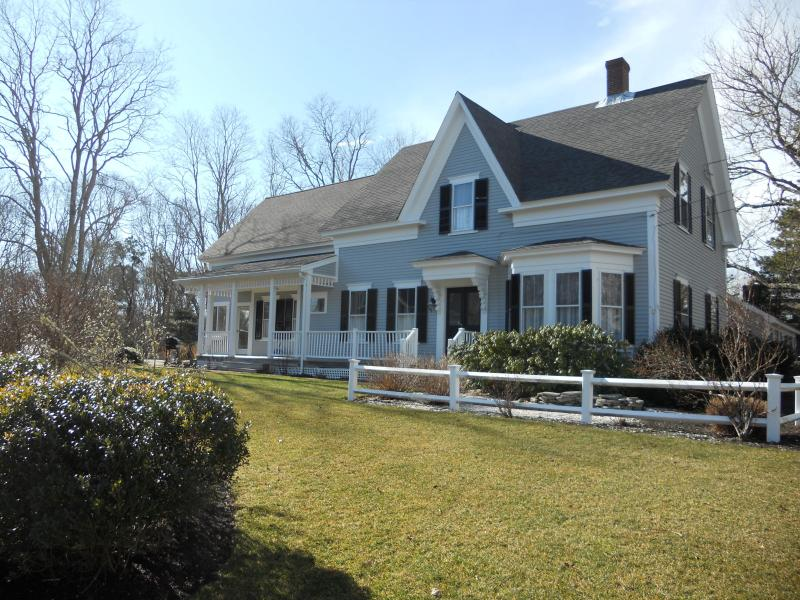 Outside - 4 Bedroom Farmhouse Cottage on Cape Cod in Harwichport - Harwich Port - rentals