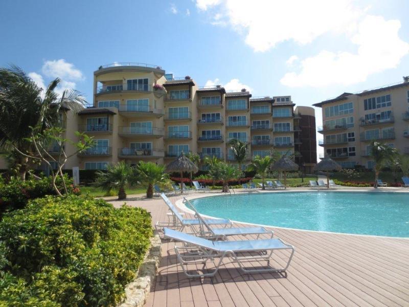 Luxory Condo Oceania Romantic on 4th Floor Building Boca Grandi - Image 1 - Sierra Nevada - rentals