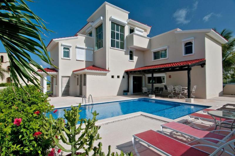 WOW! - Villa Dolphin Beachside Villa 4 bedrooms - Playa Paraiso - rentals