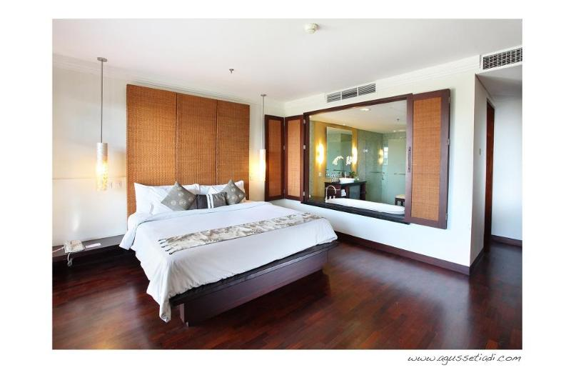 master bedroom - Baliwood penthouse at nusa dua - Nusa Dua - rentals